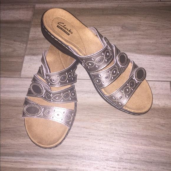 9fbd81e38ca Clarks Shoes - NWOB Clarks Sandals Size 7 1 2